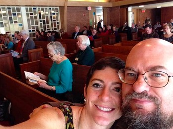 Members of Winnetka Presbyterian Church took selfies, tweeted and engaged in other social media during worship Feb. 23.